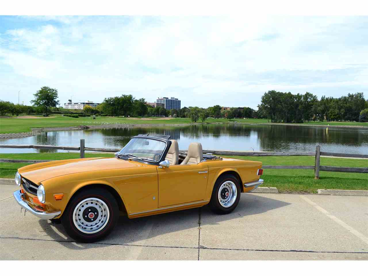Large Picture of '72 TR6 - JOH5