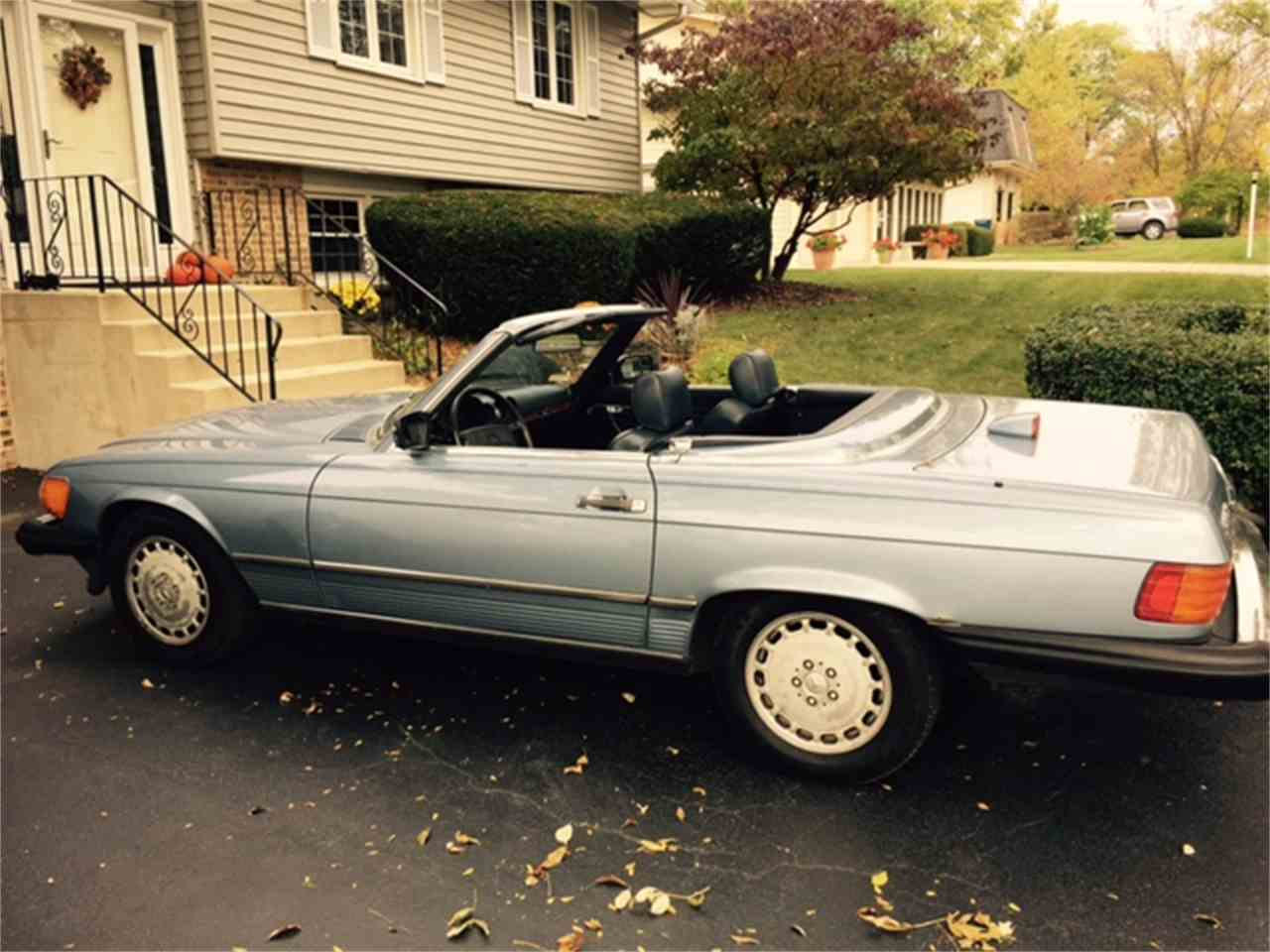 Large Picture of 1986 560SL located in DOWNERS GROVE Illinois - $7,900.00 Offered by a Private Seller - JP35