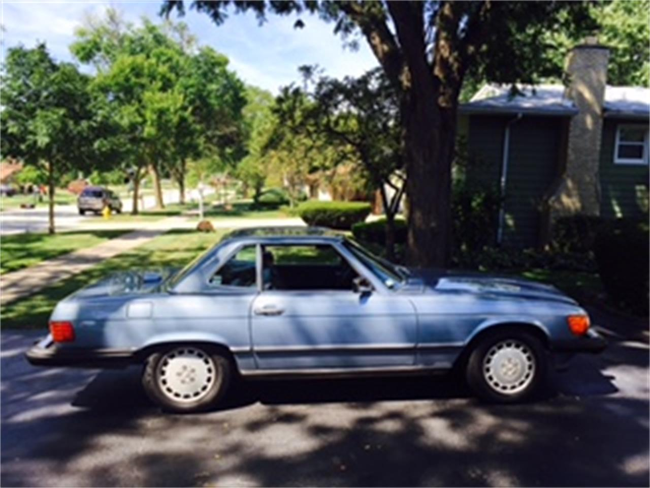 Large Picture of '86 Mercedes-Benz 560SL located in Illinois Offered by a Private Seller - JP35