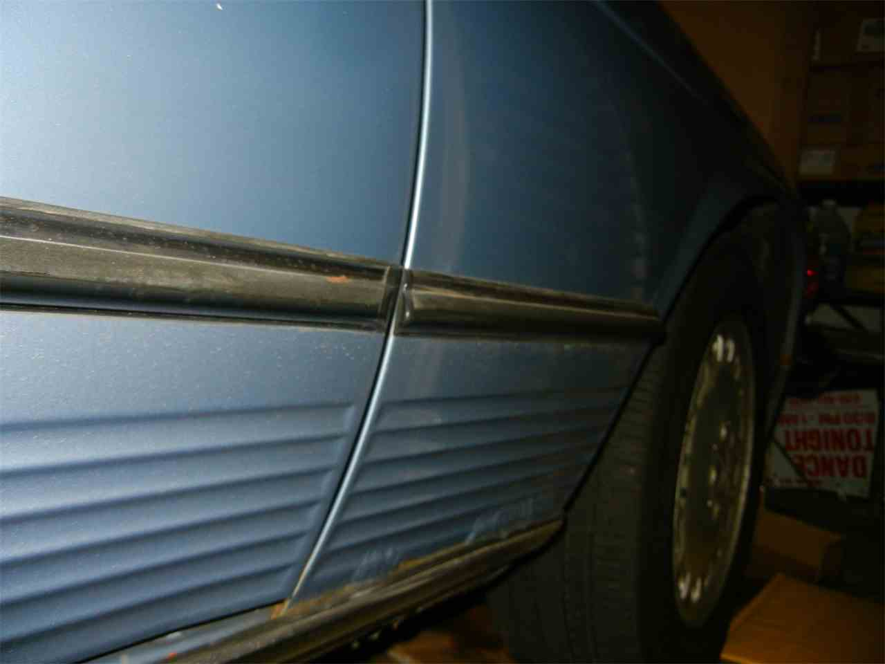 Large Picture of '86 Mercedes-Benz 560SL located in DOWNERS GROVE Illinois - JP35