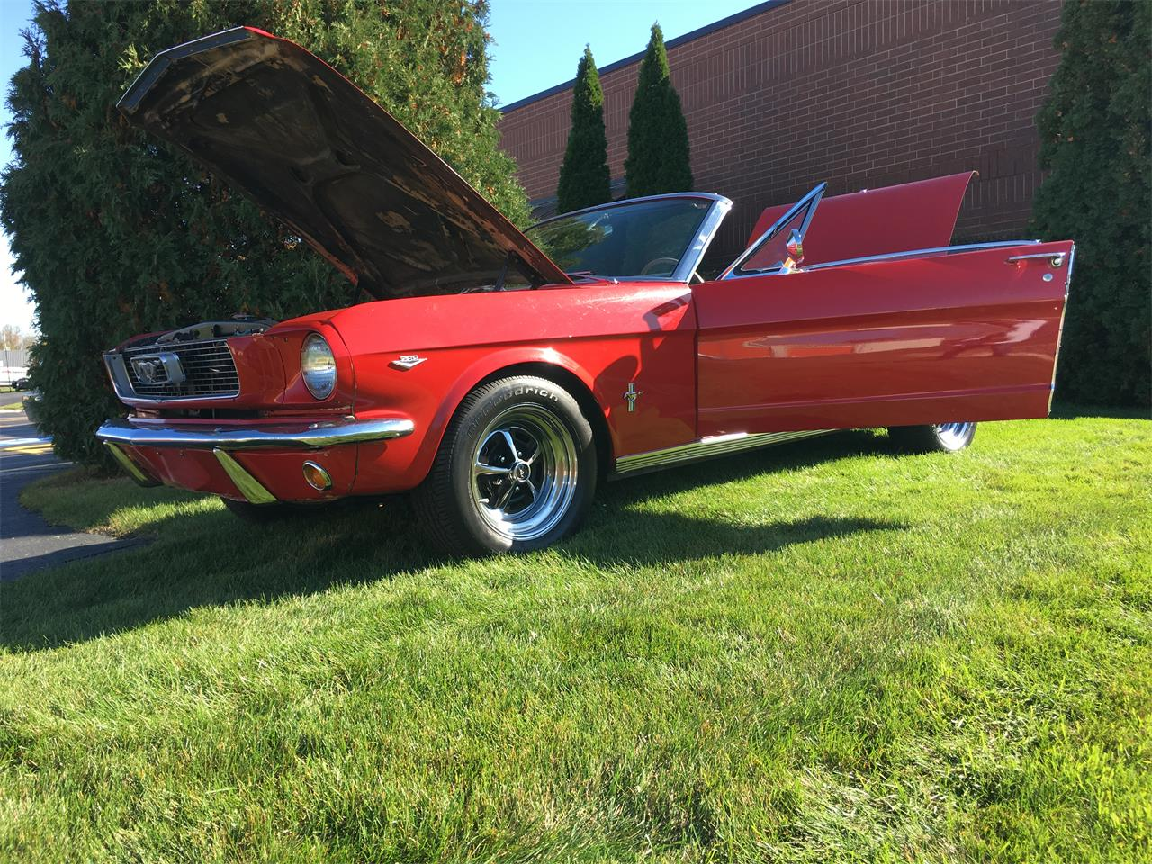 Large Picture of Classic 1966 Mustang located in Illinois - JPF7