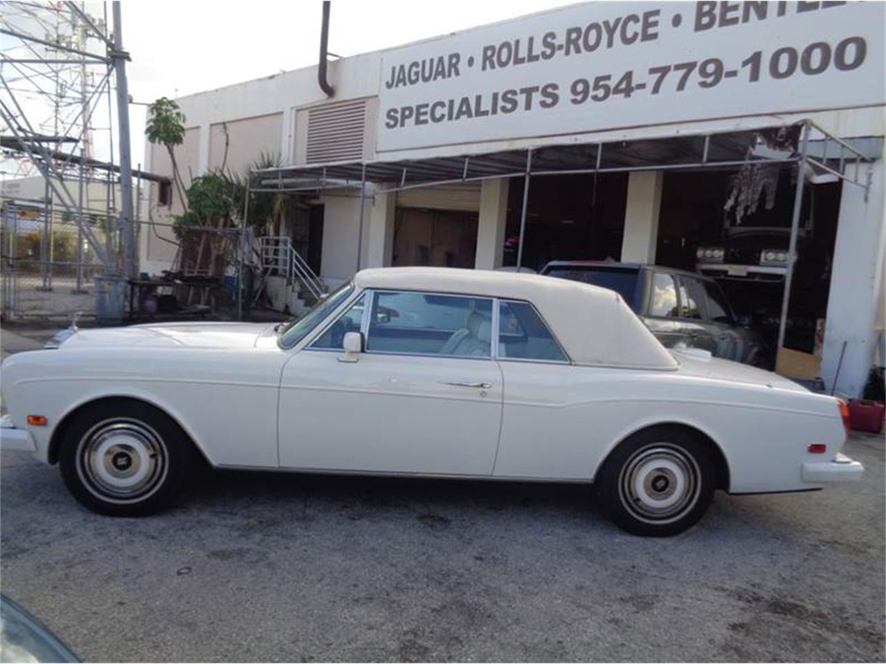 Large Picture of '89 Corniche located in Florida Offered by Prestigious Euro Cars - JPI2
