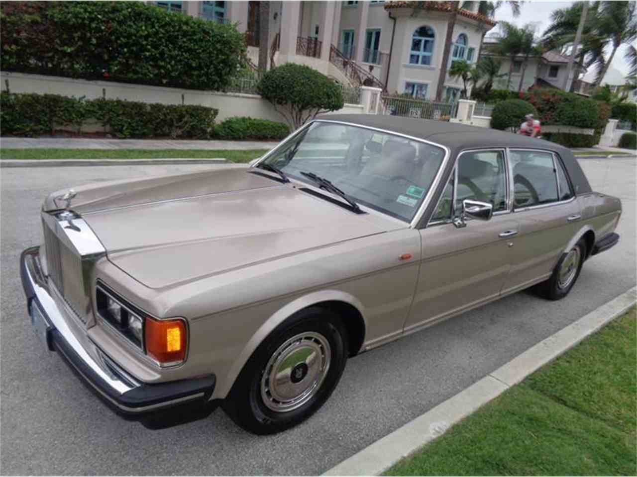 Large Picture of '91 Rolls-Royce Silver Spur located in Florida - JPI3