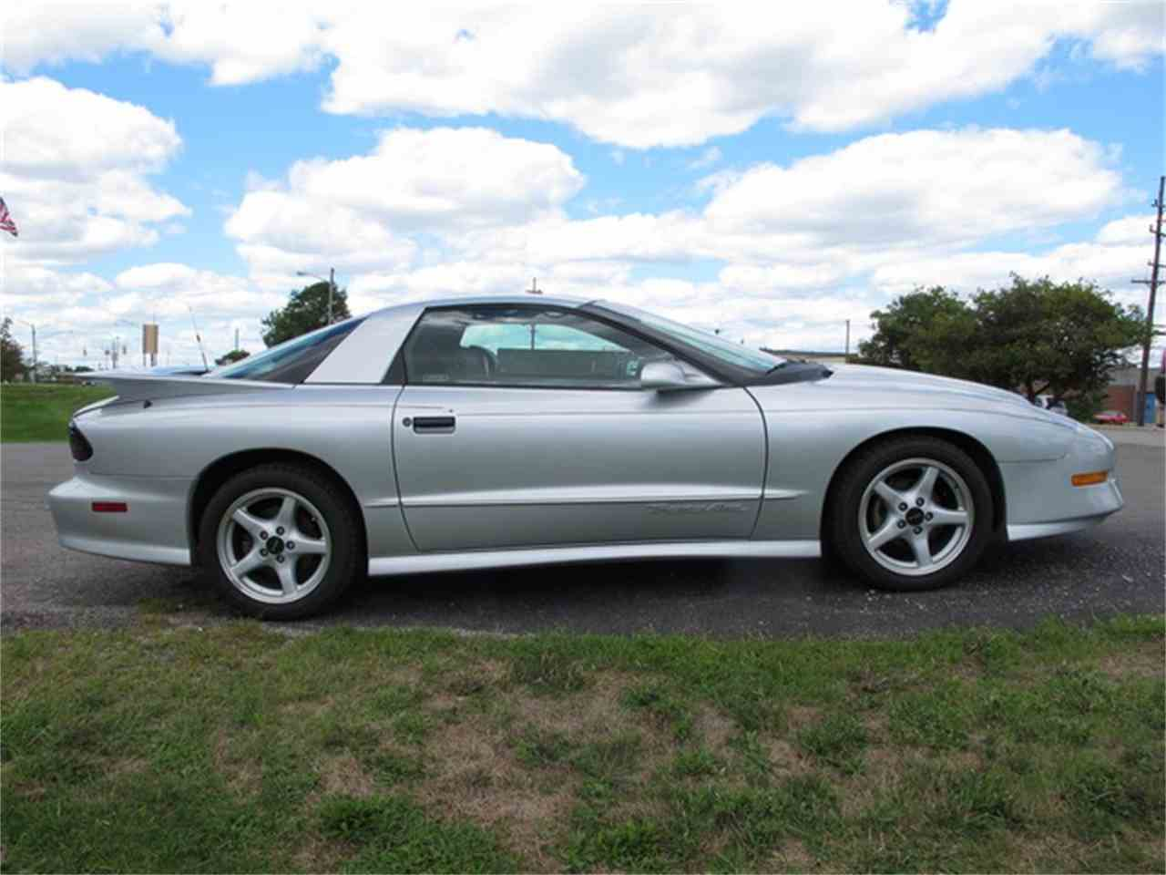 Large Picture of 1996 Firebird Trans Am located in Troy Michigan - $10,900.00 - JPQ5