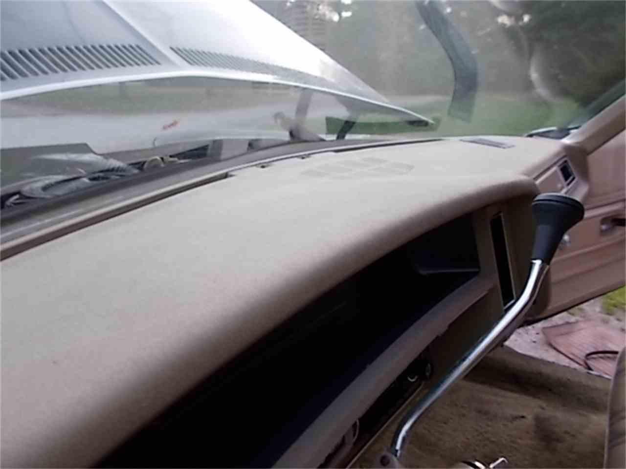 Large Picture of 1975 Chevrolet Impala - JPVU