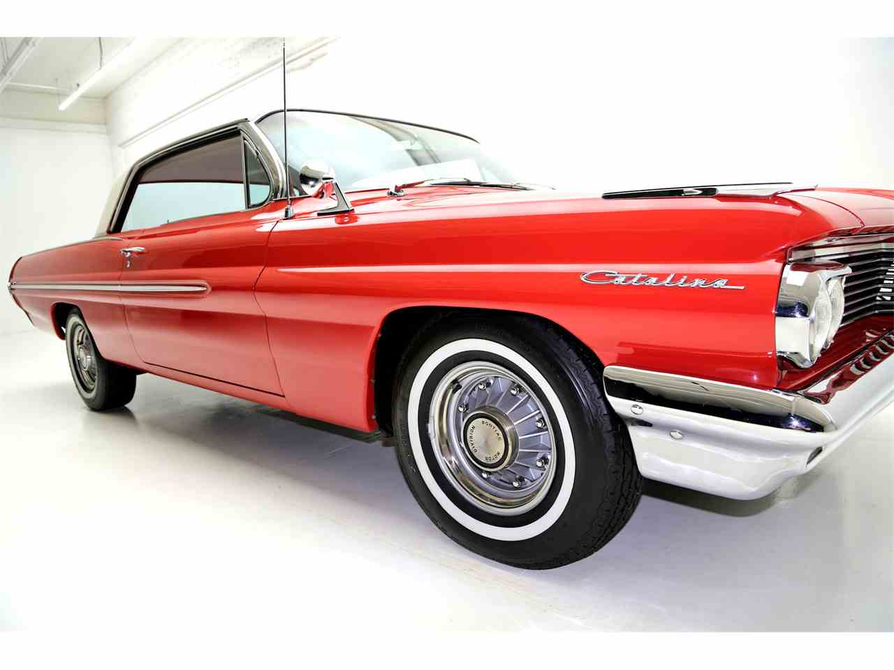 Large Picture of Classic 1962 Catalina located in Des Moines Iowa - JRF9