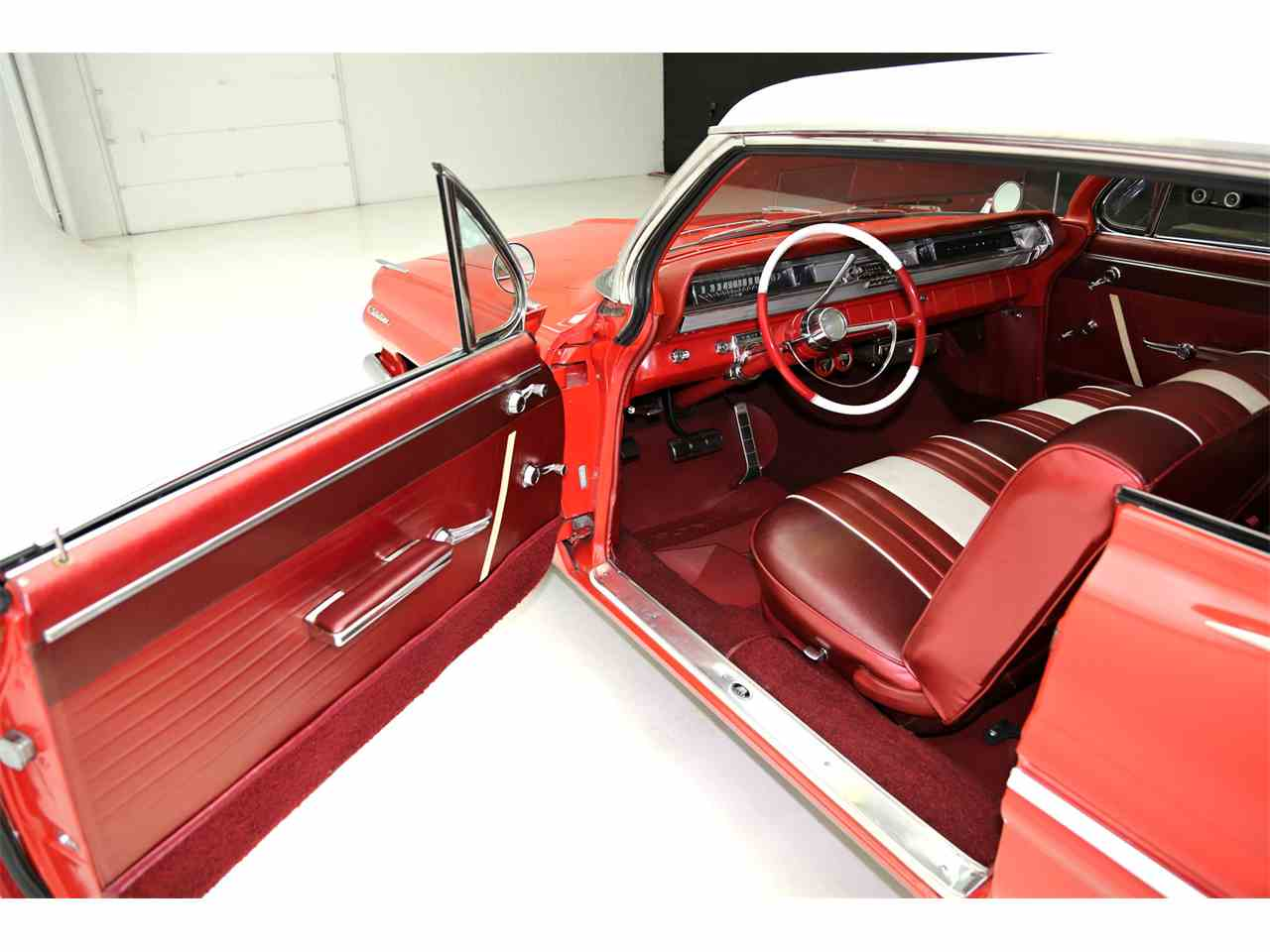 Large Picture of Classic 1962 Pontiac Catalina located in Des Moines Iowa Offered by American Dream Machines - JRF9
