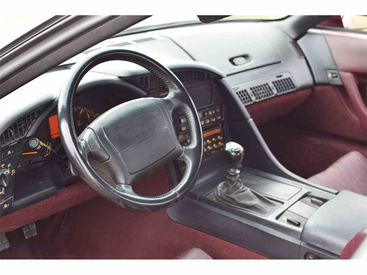 Large Picture of '93 Chevrolet Corvette located in watertown Minnesota Offered by Hooked On Classics - JRHG