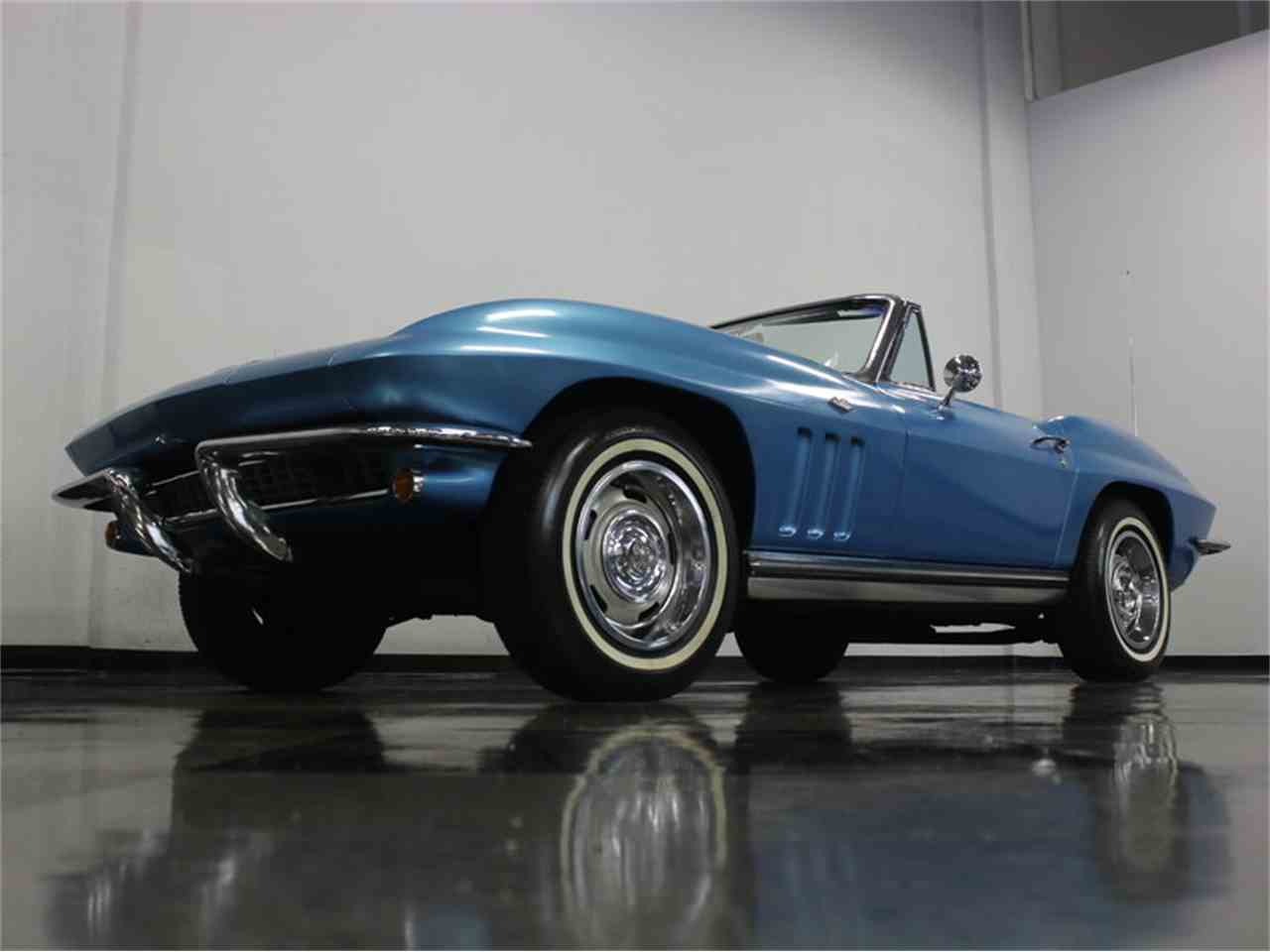 Large Picture of 1965 Chevrolet Corvette located in Texas Offered by Streetside Classics - Dallas / Fort Worth - JRNP