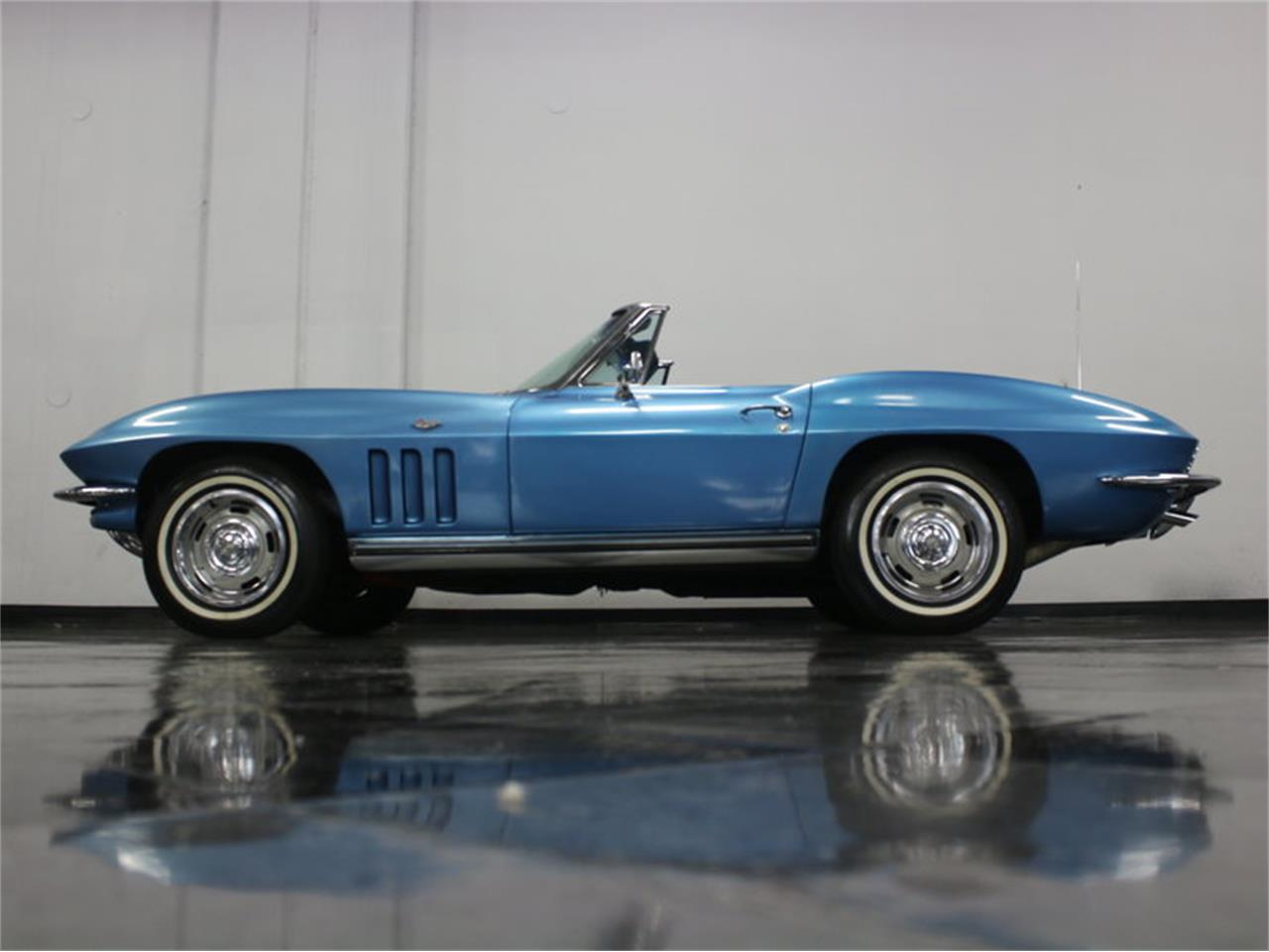 Large Picture of 1965 Corvette located in Ft Worth Texas Offered by Streetside Classics - Dallas / Fort Worth - JRNP