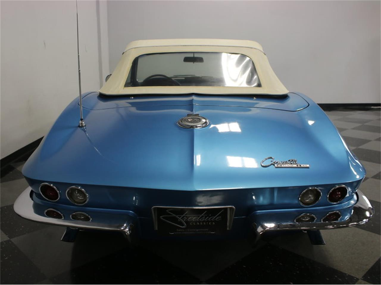 Large Picture of '65 Chevrolet Corvette Offered by Streetside Classics - Dallas / Fort Worth - JRNP