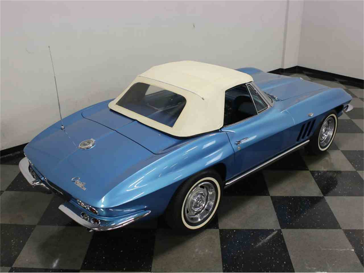Large Picture of Classic '65 Corvette located in Texas Offered by Streetside Classics - Dallas / Fort Worth - JRNP