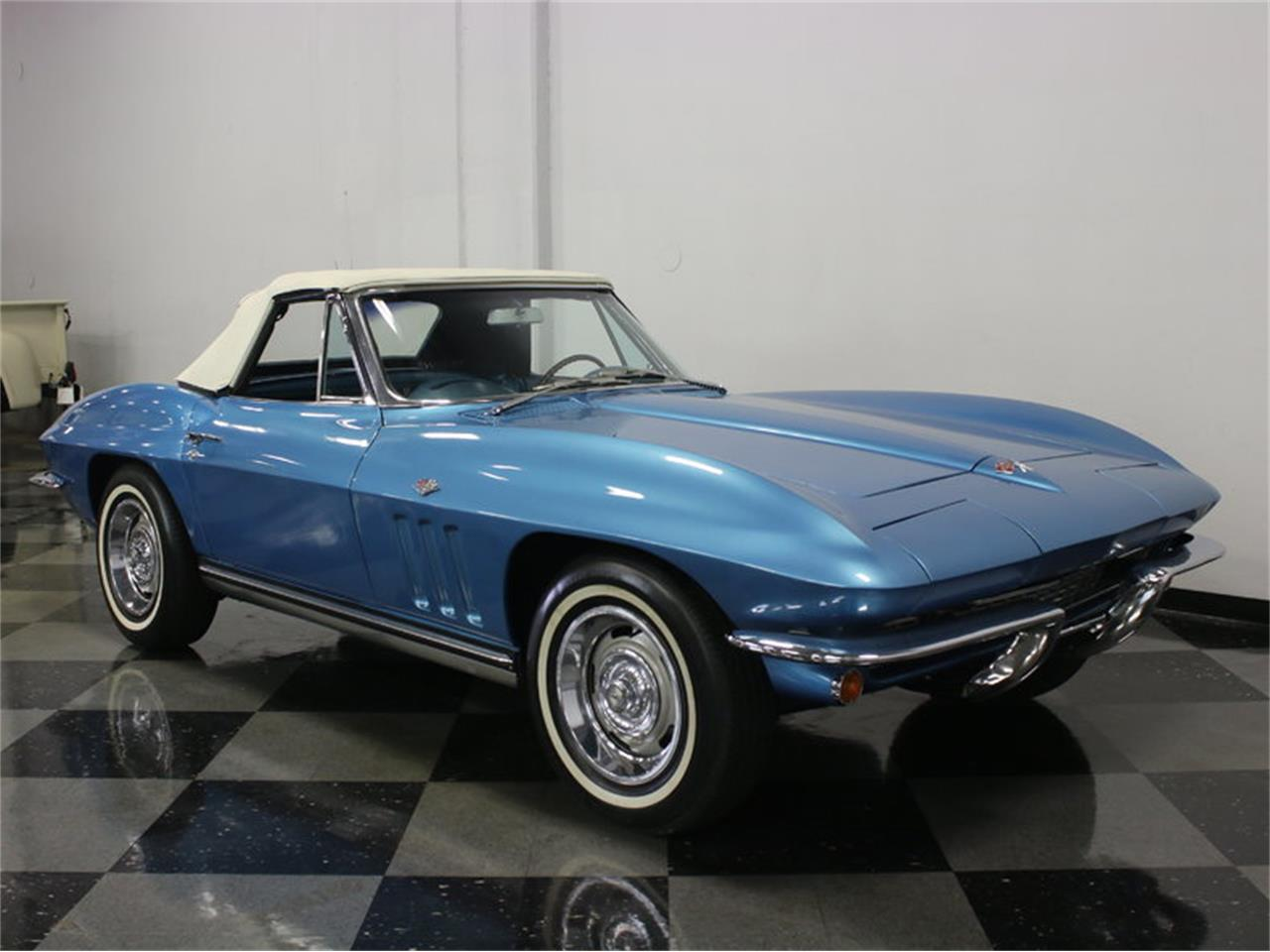 Large Picture of Classic 1965 Corvette Offered by Streetside Classics - Dallas / Fort Worth - JRNP