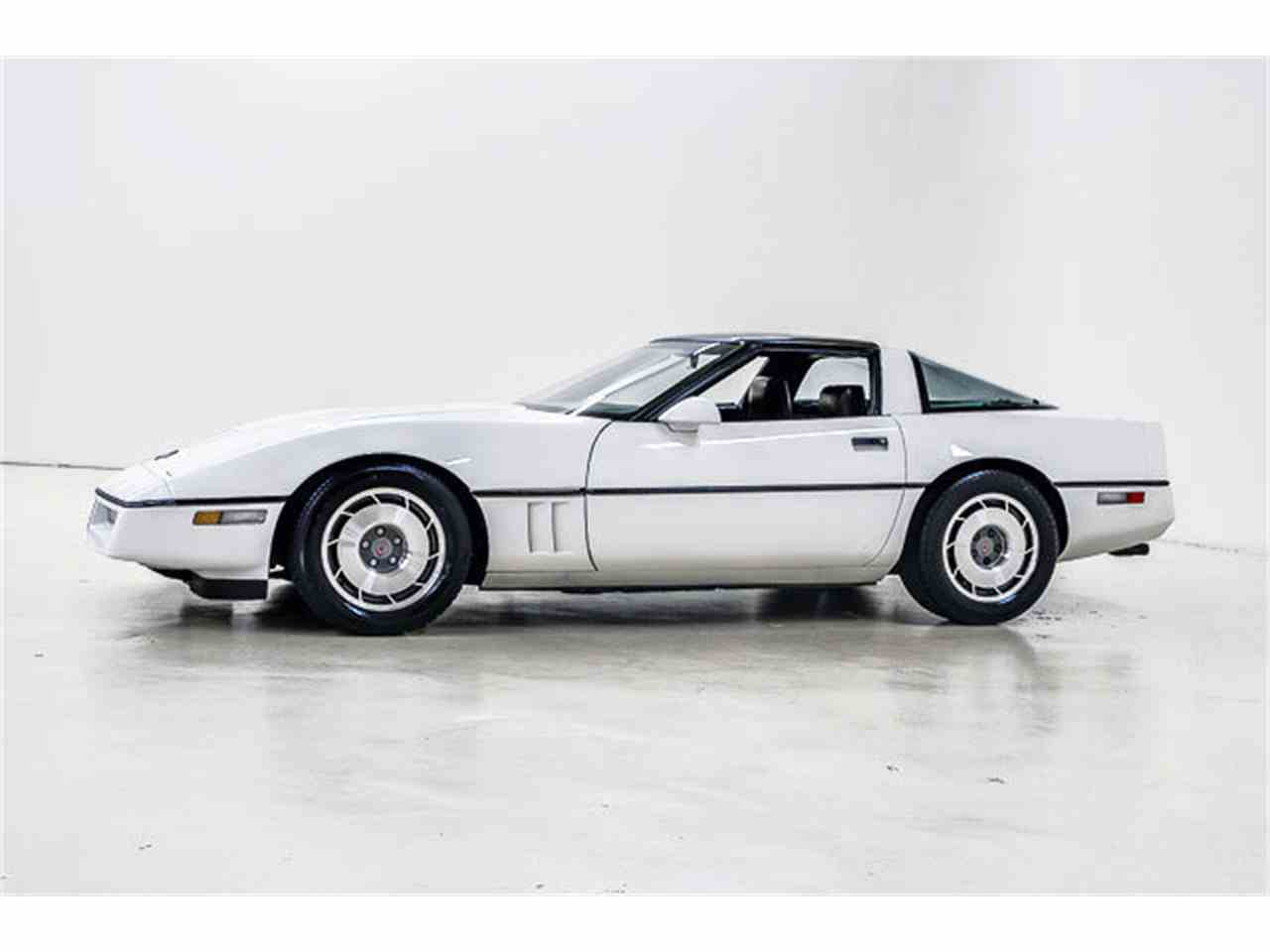 Large Picture of 1986 Corvette located in Concord North Carolina - $10,995.00 Offered by Autobarn Classic Cars - JQ2I