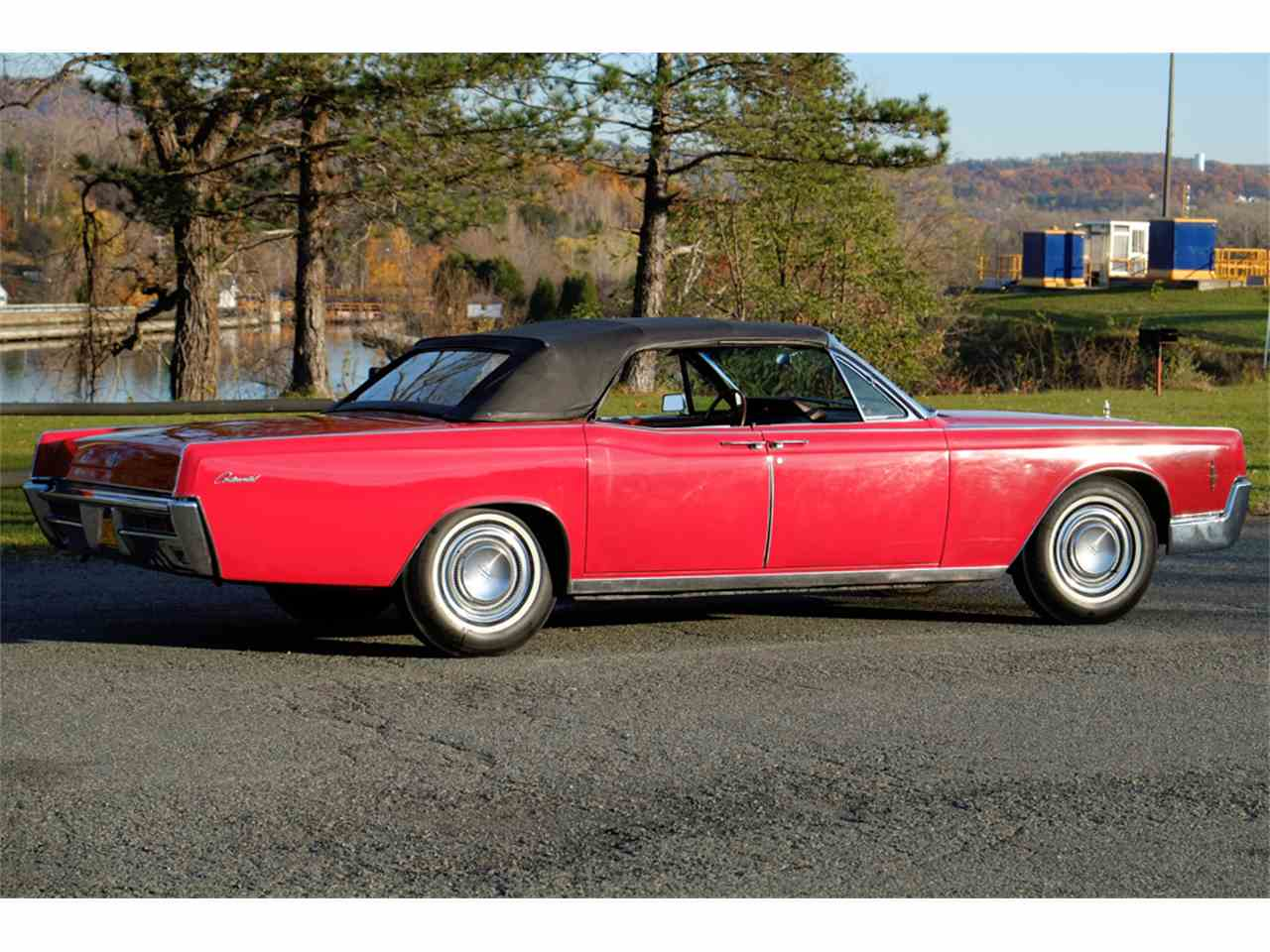 Large Picture of Classic '66 Continental - JRW9