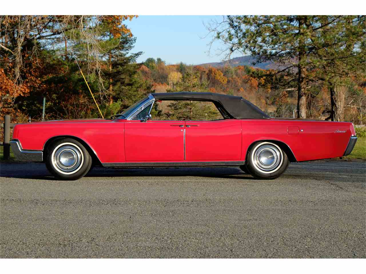 Large Picture of 1966 Lincoln Continental - $34,900.00 - JRW9