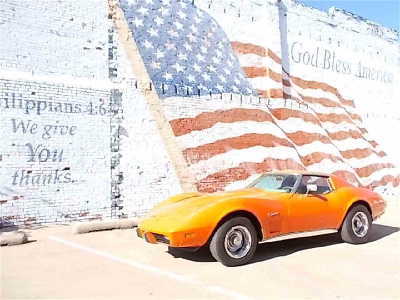 Large Picture of '76 Corvette - JRWX