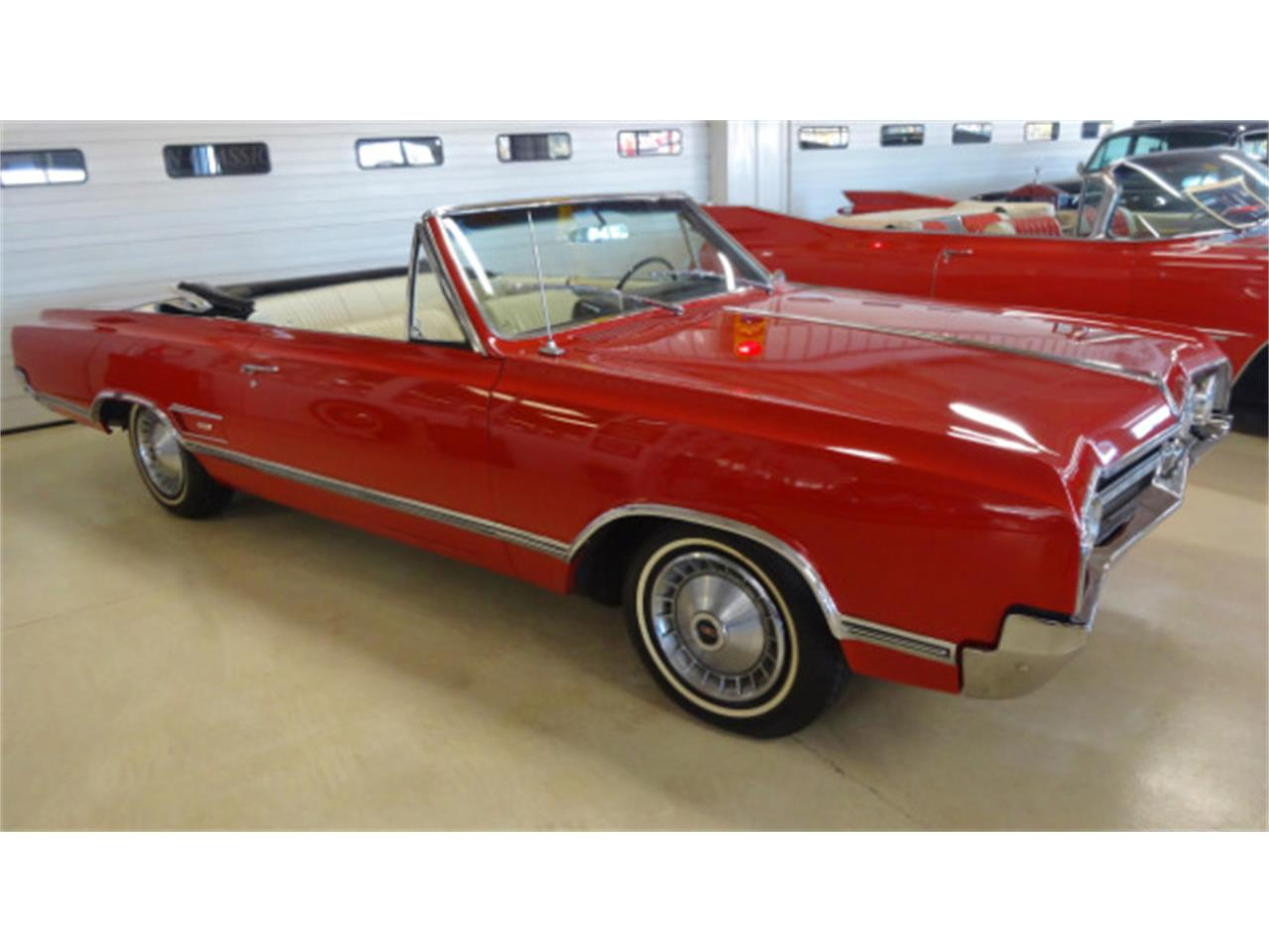 Large Picture of '65 Oldsmobile Cutlass Offered by Cruisin Classics - JSO3