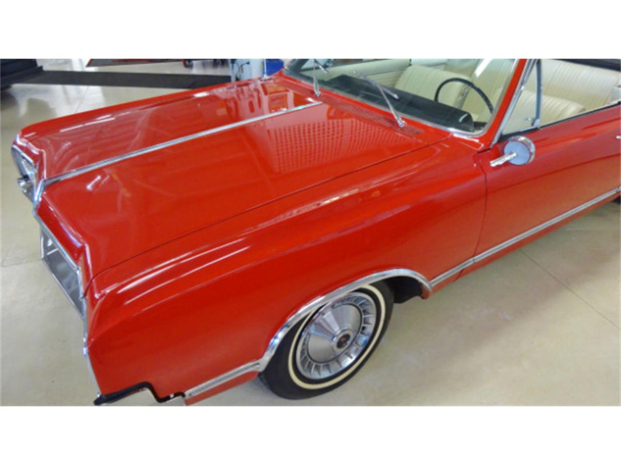 Large Picture of Classic 1965 Cutlass located in Ohio Offered by Cruisin Classics - JSO3