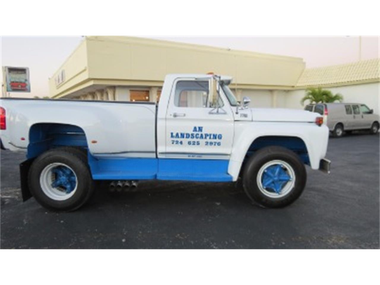 Large Picture of 1974 Ford F700 Offered by Sobe Classics - JSOU