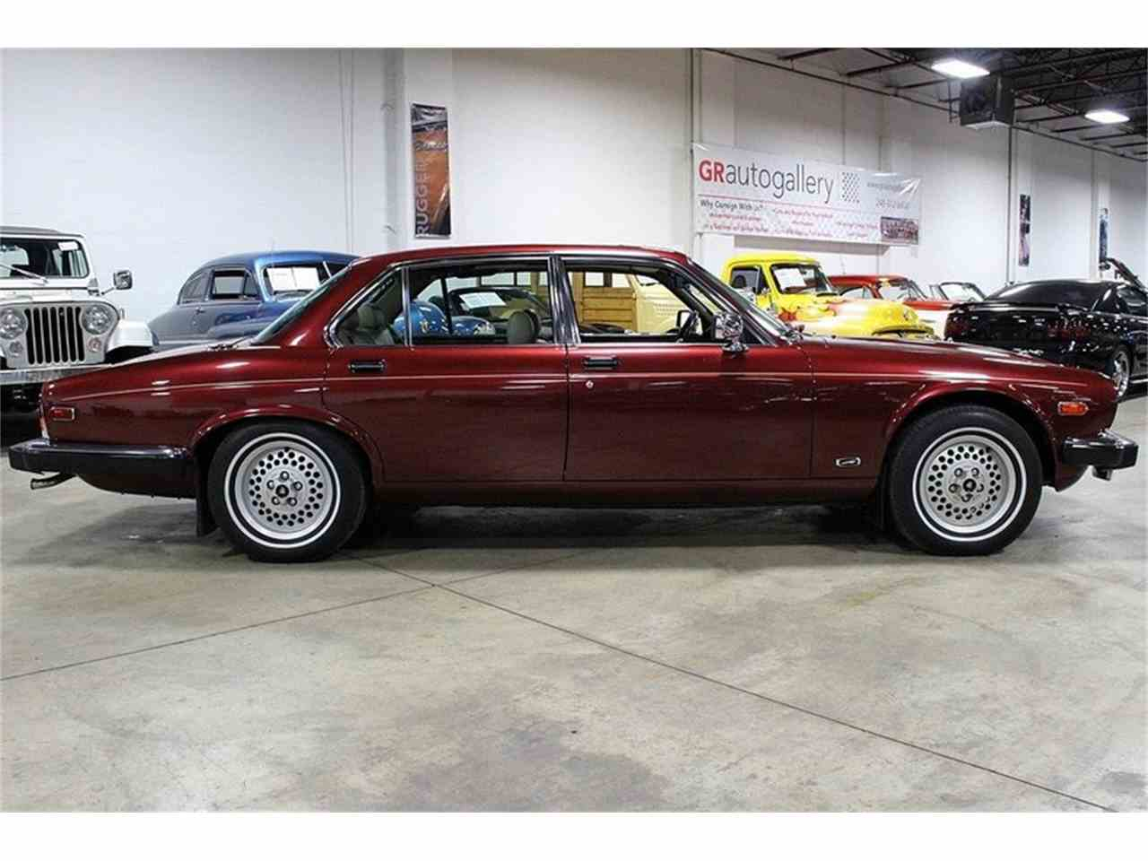 Large Picture of '90 XJ12 Series III - JSWV