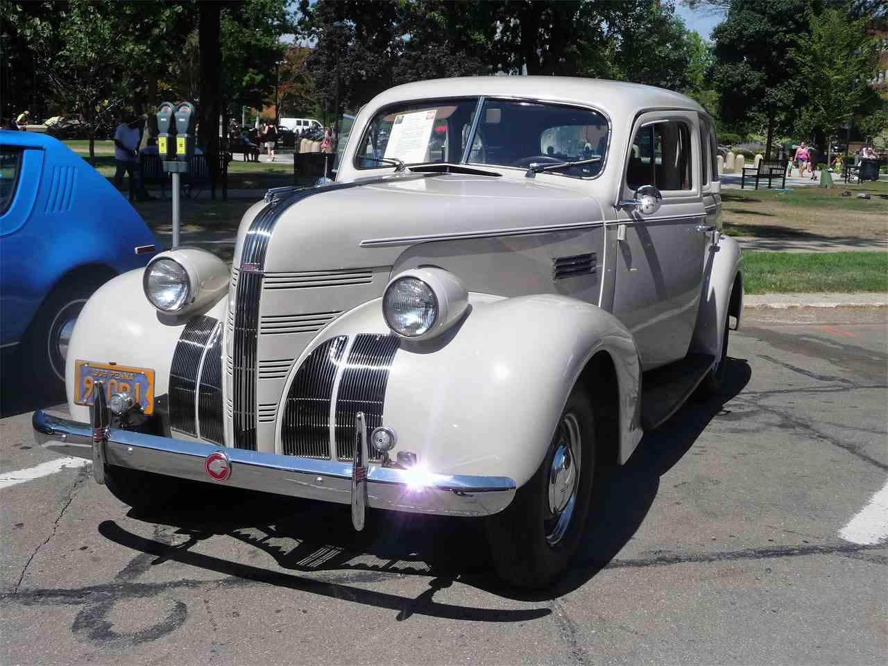 3946933-1939-pontiac-silver-streak-std-c.jpg
