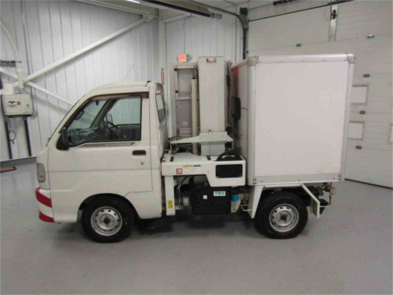 Large Picture of '04 HiJet located in Virginia Offered by Duncan Imports & Classic Cars - JSZ4