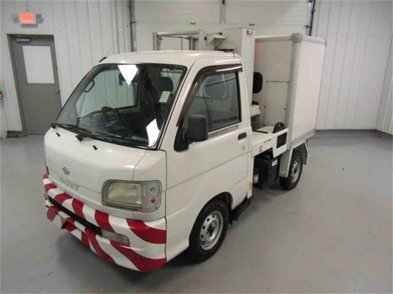 Large Picture of 2004 Daihatsu HiJet - $8,900.00 Offered by Duncan Imports & Classic Cars - JSZ4