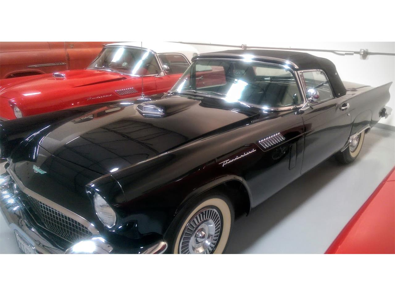 Large Picture of '57 Thunderbird - JT0M