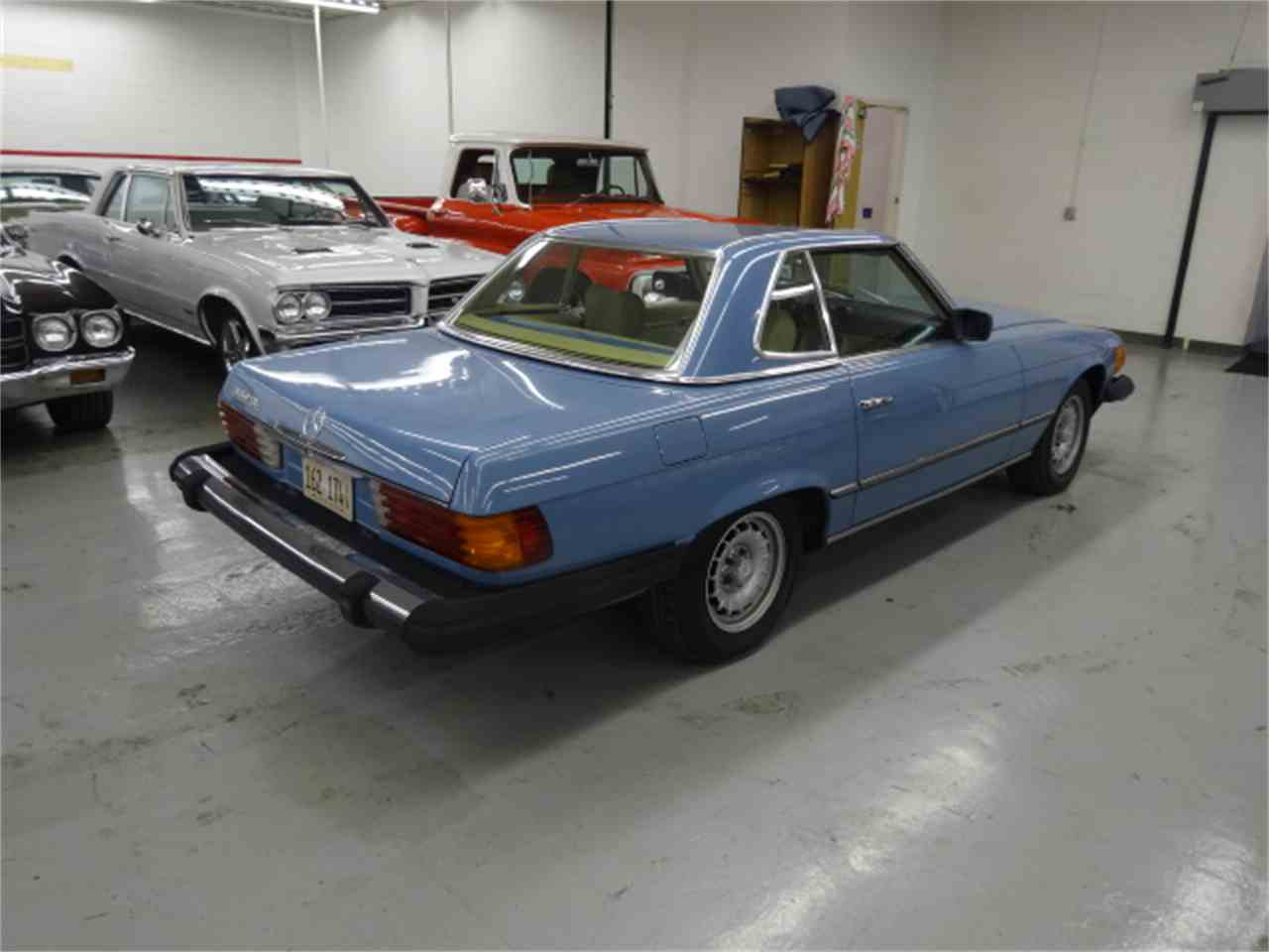 Large Picture of 1981 380SL located in Illinois - $10,900.00 Offered by Midwest Muscle Cars - JQBB