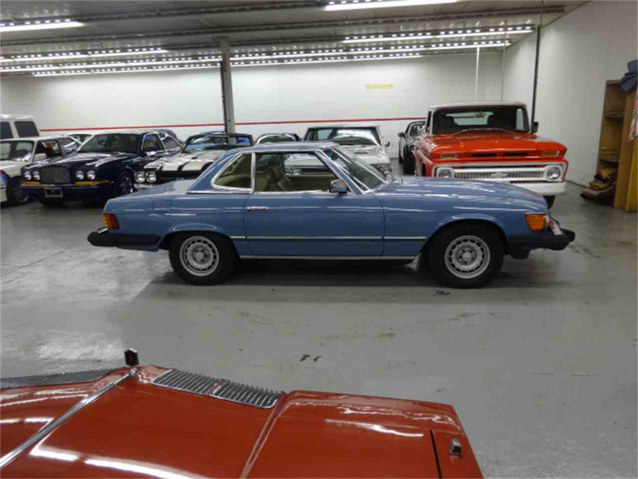 Large Picture of 1981 380SL located in Lake Zurich Illinois - $10,900.00 - JQBB