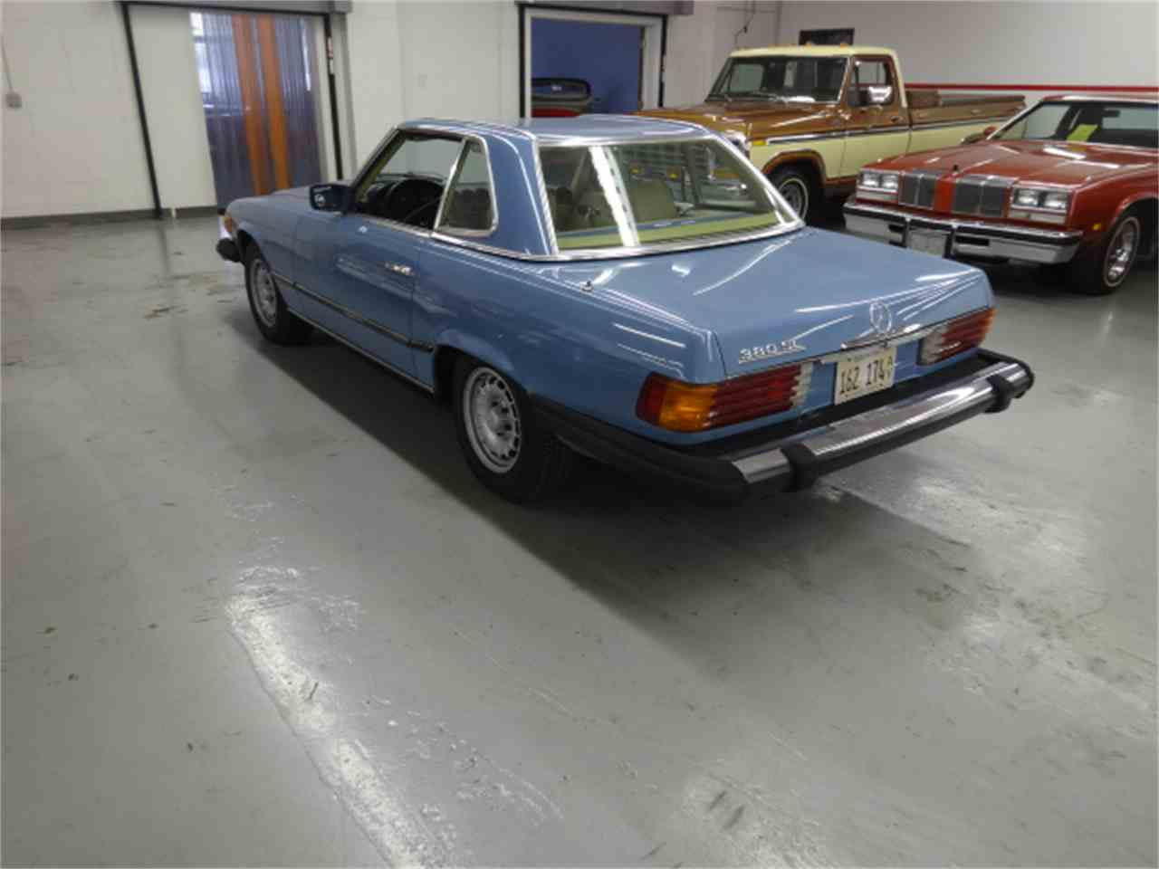 Large Picture of '81 380SL located in Illinois Offered by Midwest Muscle Cars - JQBB