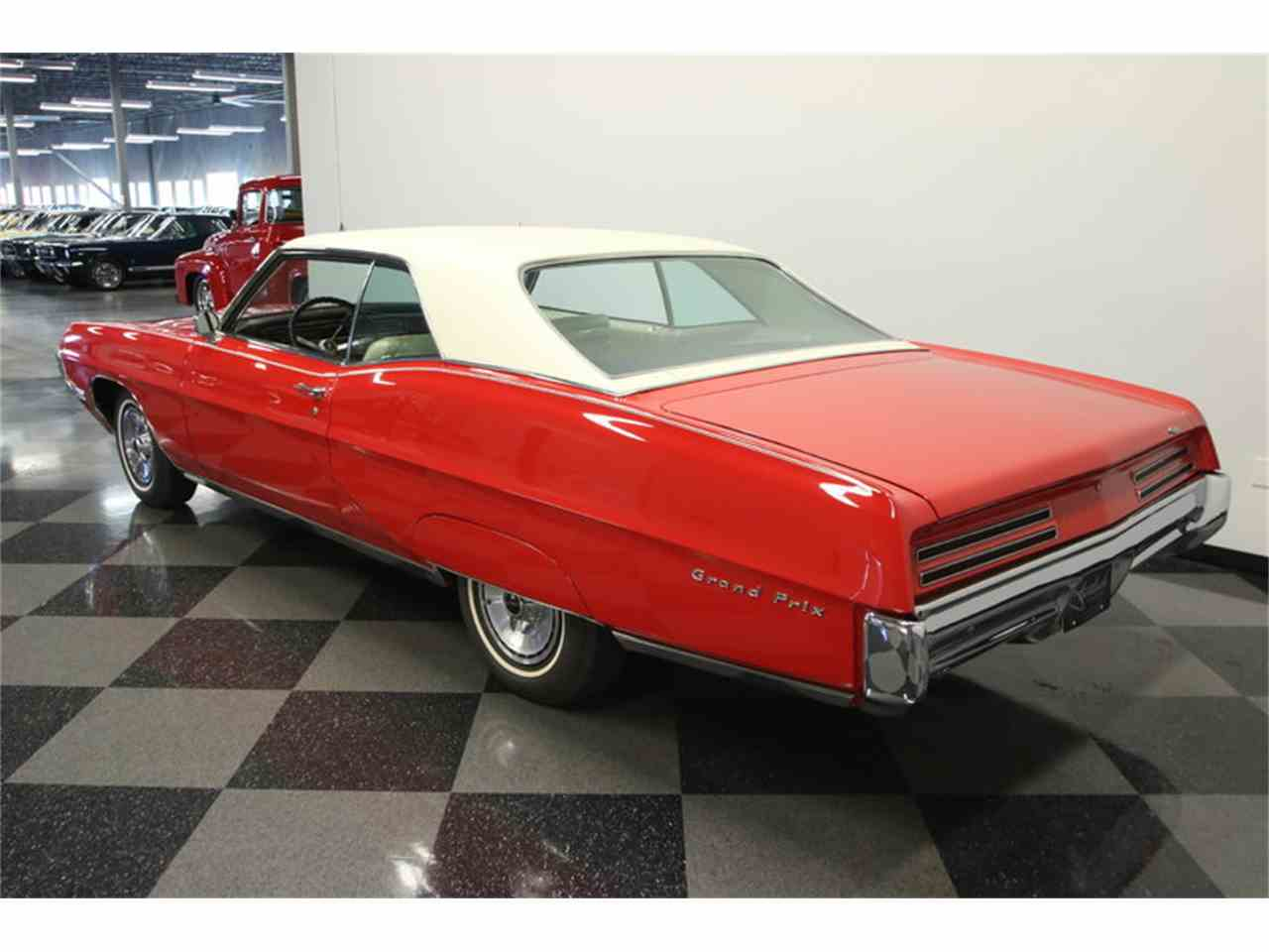Large Picture of 1967 Pontiac Grand Prix located in Lutz Florida Offered by Streetside Classics - Tampa - JUBA