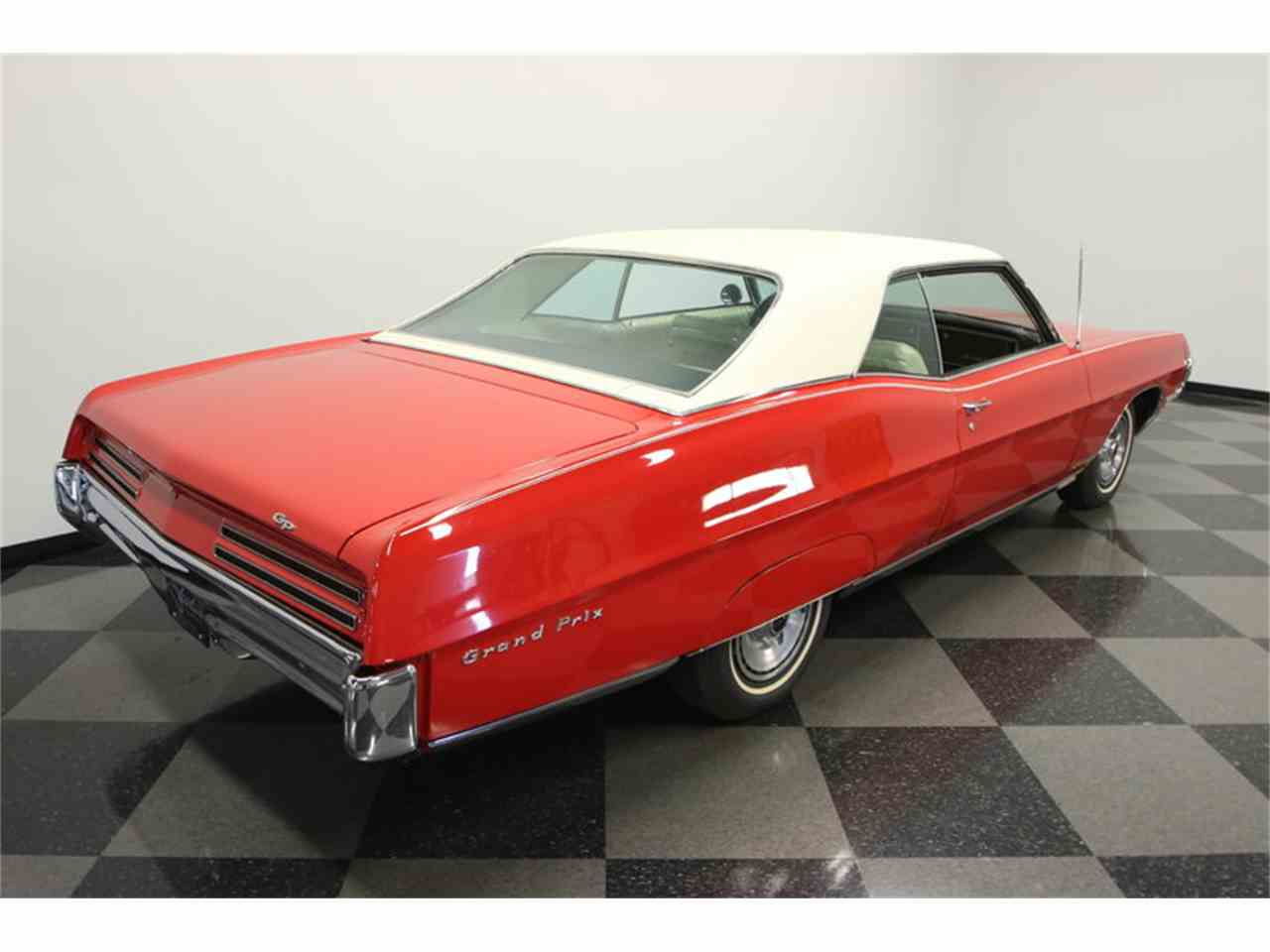 Large Picture of 1967 Pontiac Grand Prix located in Florida Offered by Streetside Classics - Tampa - JUBA