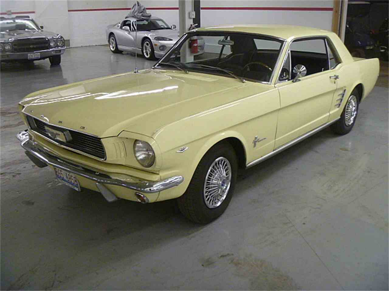Large Picture of '66 Mustang - JQBW