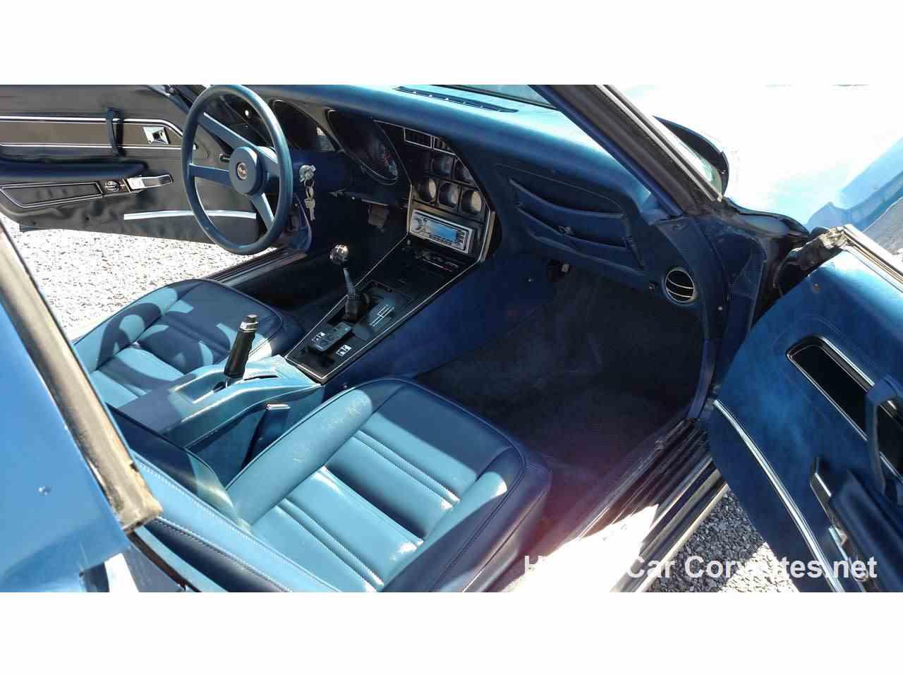 Large Picture of '77 Corvette - JUT3