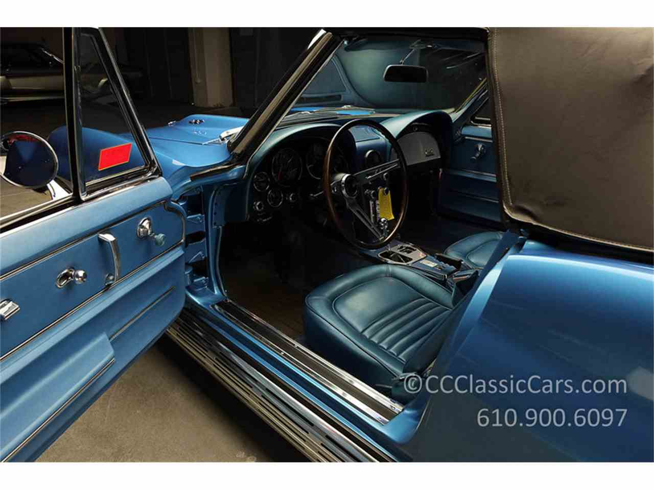Large Picture of '67 Corvette located in West Chester Pennsylvania Auction Vehicle - JV9S