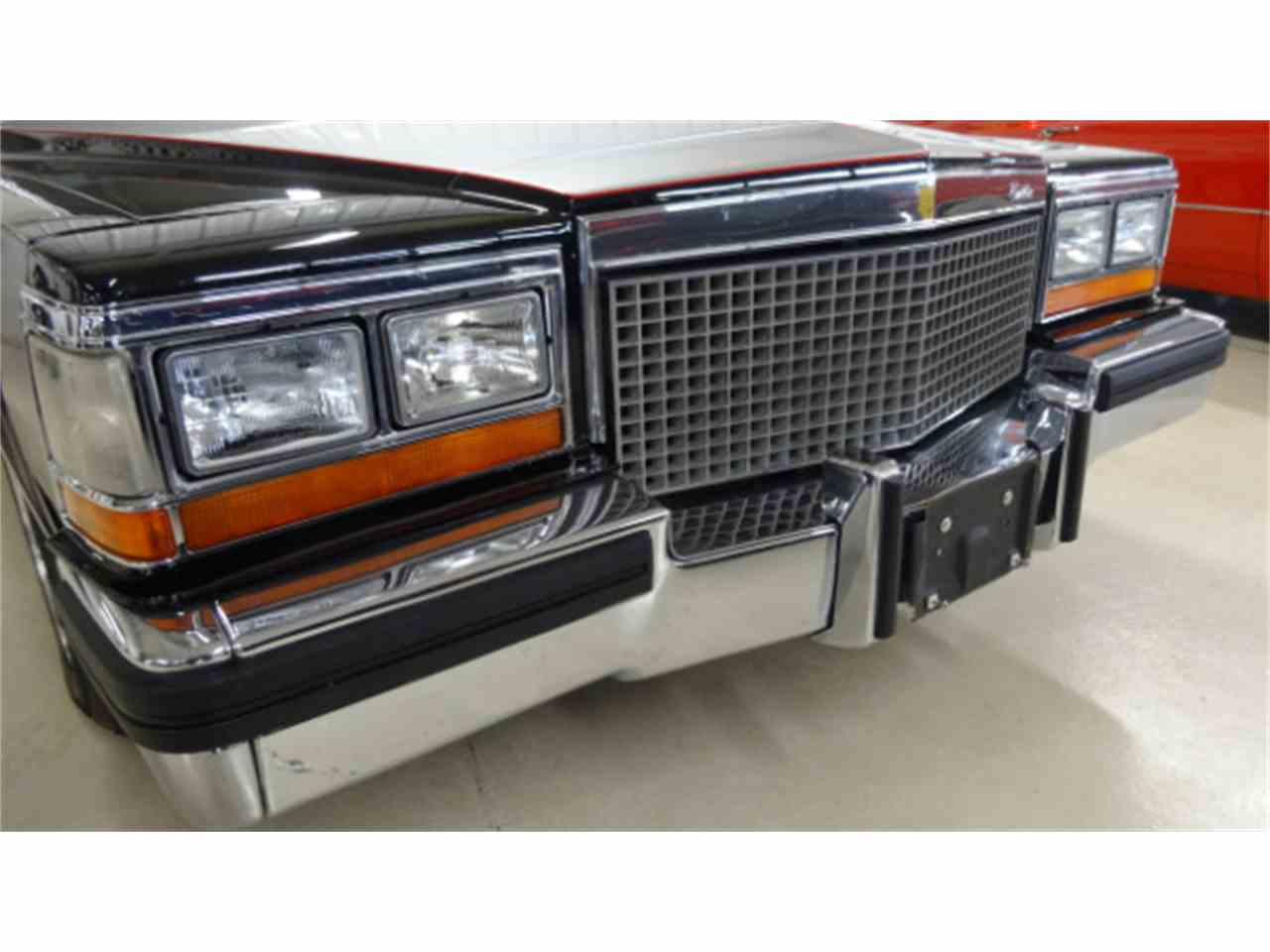 Large Picture of '81 Cadillac Fleetwood Brougham - JQKH