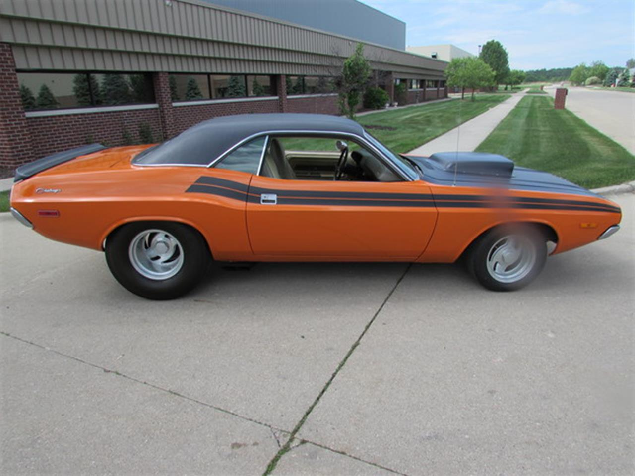 Large Picture of '72 Challenger - JX2A