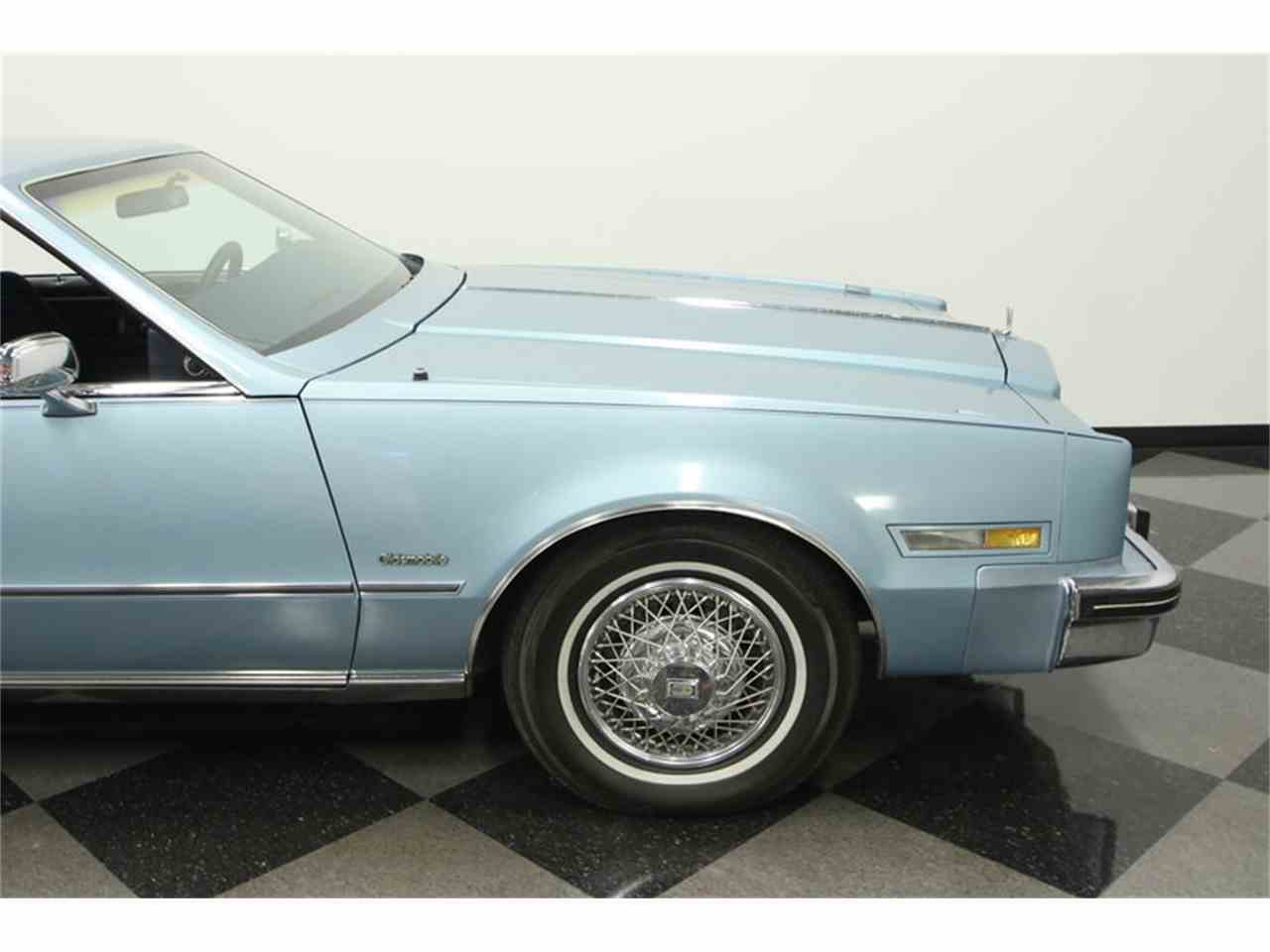 Large Picture of '85 Oldsmobile Toronado Offered by Streetside Classics - Tampa - JPY6