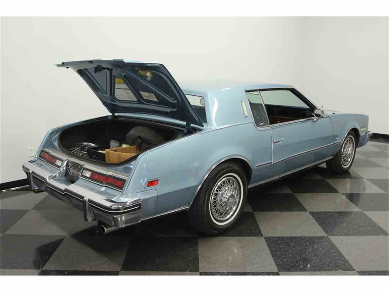 Large Picture of '85 Oldsmobile Toronado located in Florida - JPY6