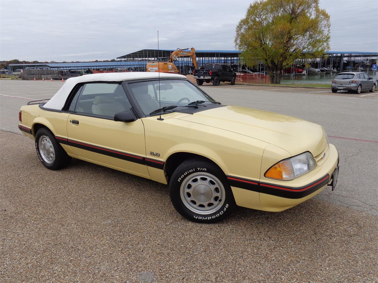 Large Picture of '87 Ford Mustang located in Rowlett Texas - JYND