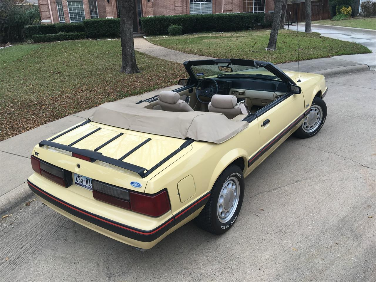 Large Picture of '87 Mustang - JYND