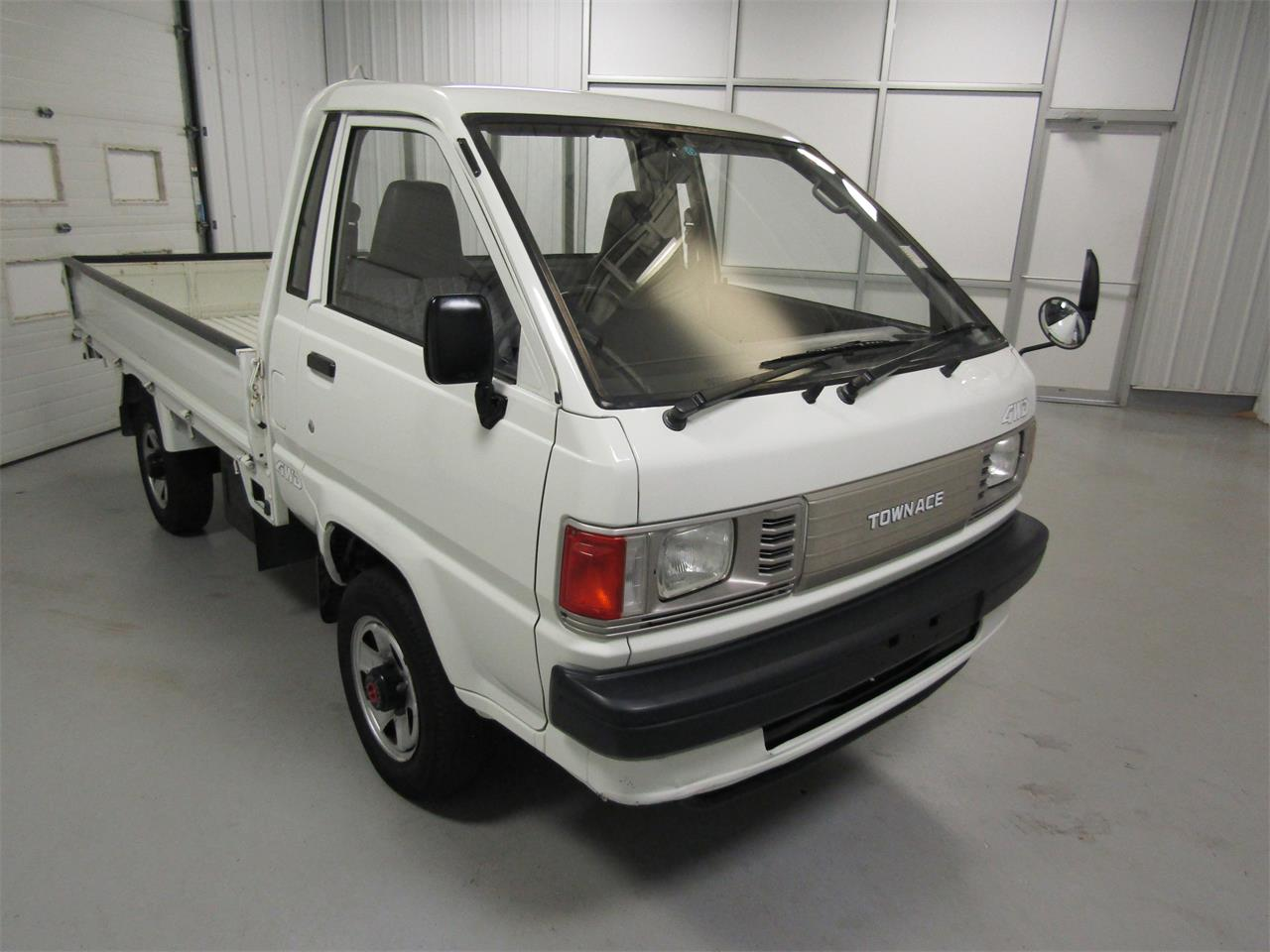 Large Picture of '89 TownAce Offered by Duncan Imports & Classic Cars - JZ39