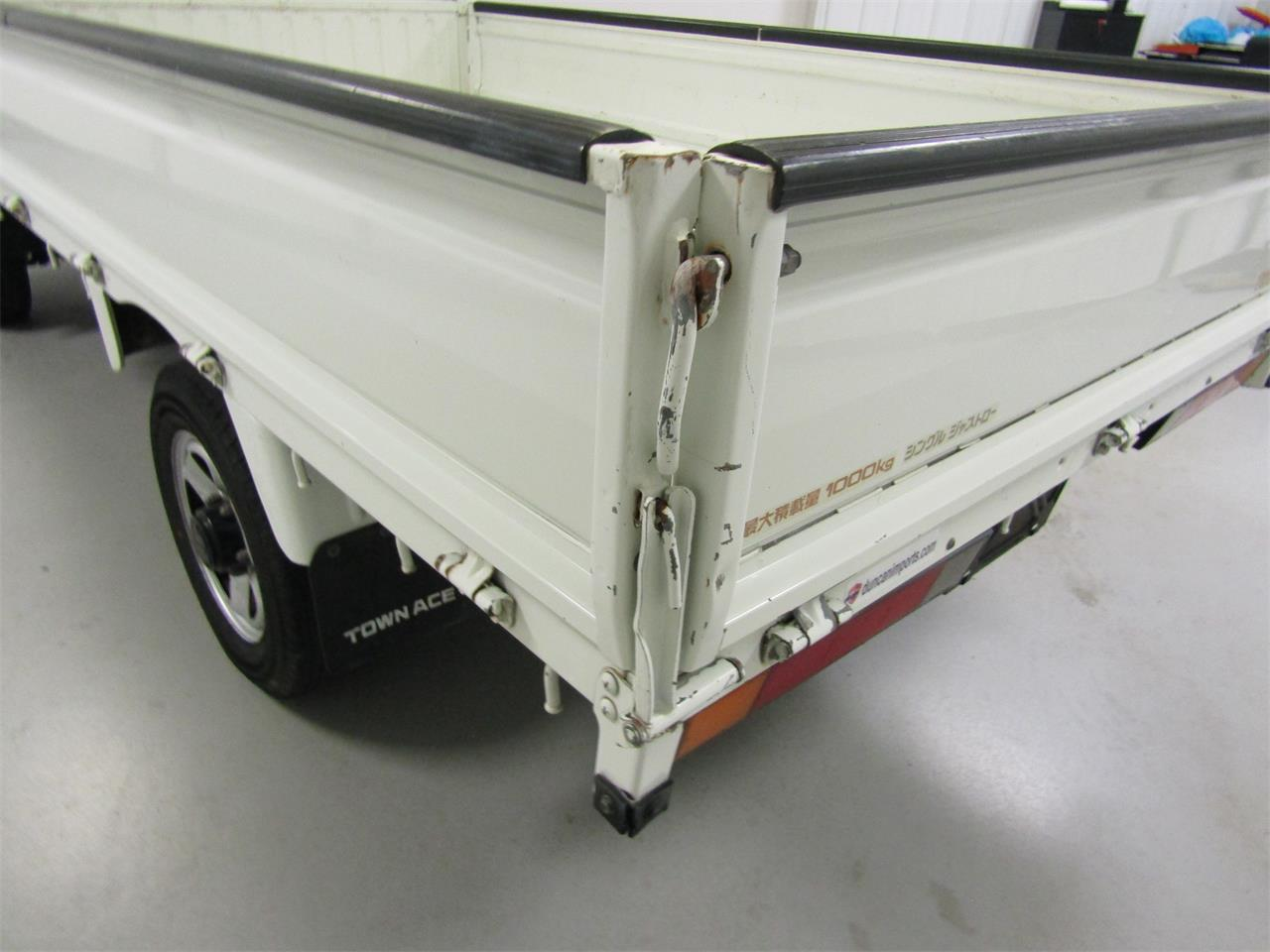 Large Picture of 1989 TownAce located in Virginia Offered by Duncan Imports & Classic Cars - JZ39