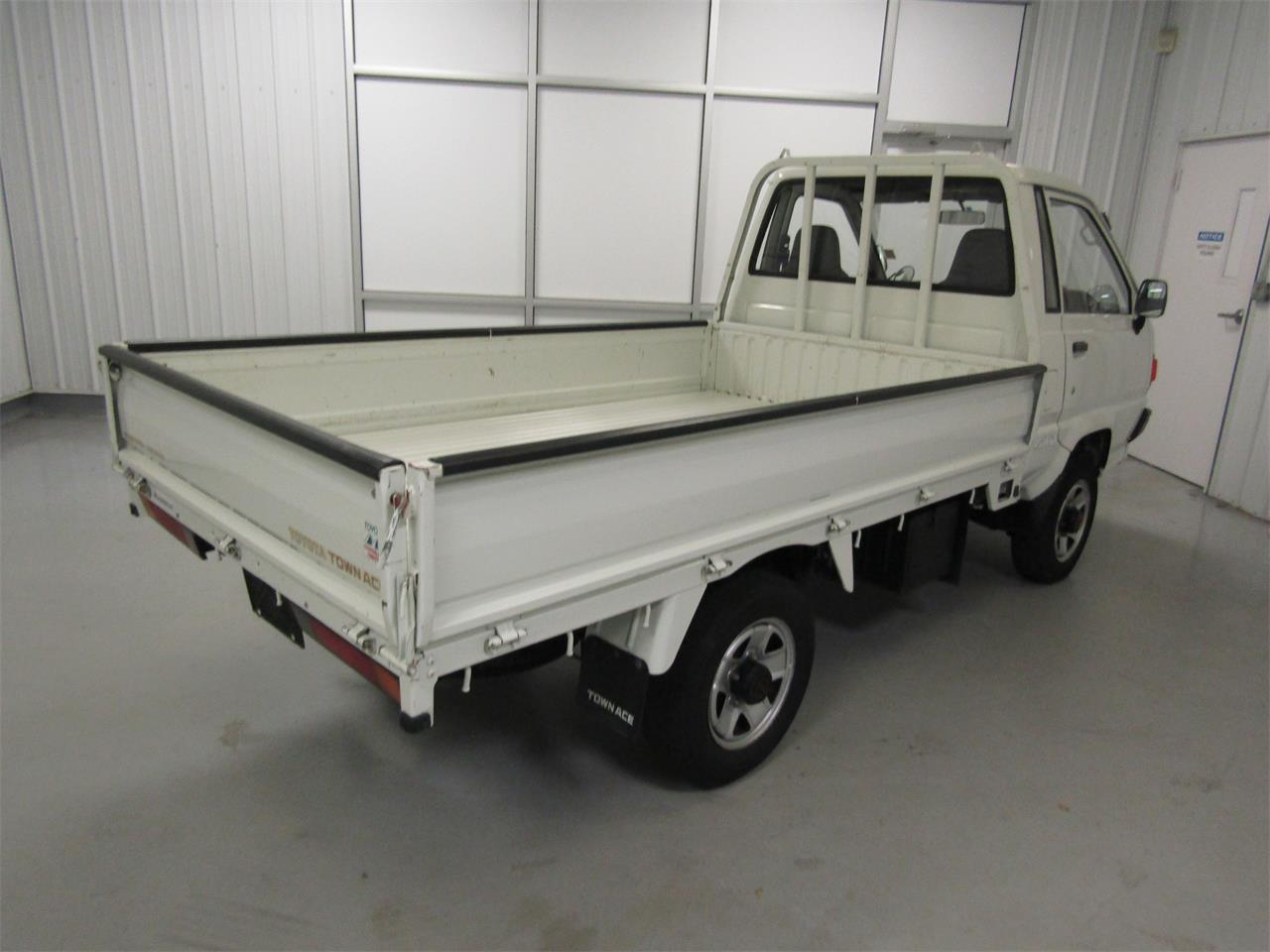 Large Picture of '89 TownAce located in Christiansburg Virginia Offered by Duncan Imports & Classic Cars - JZ39