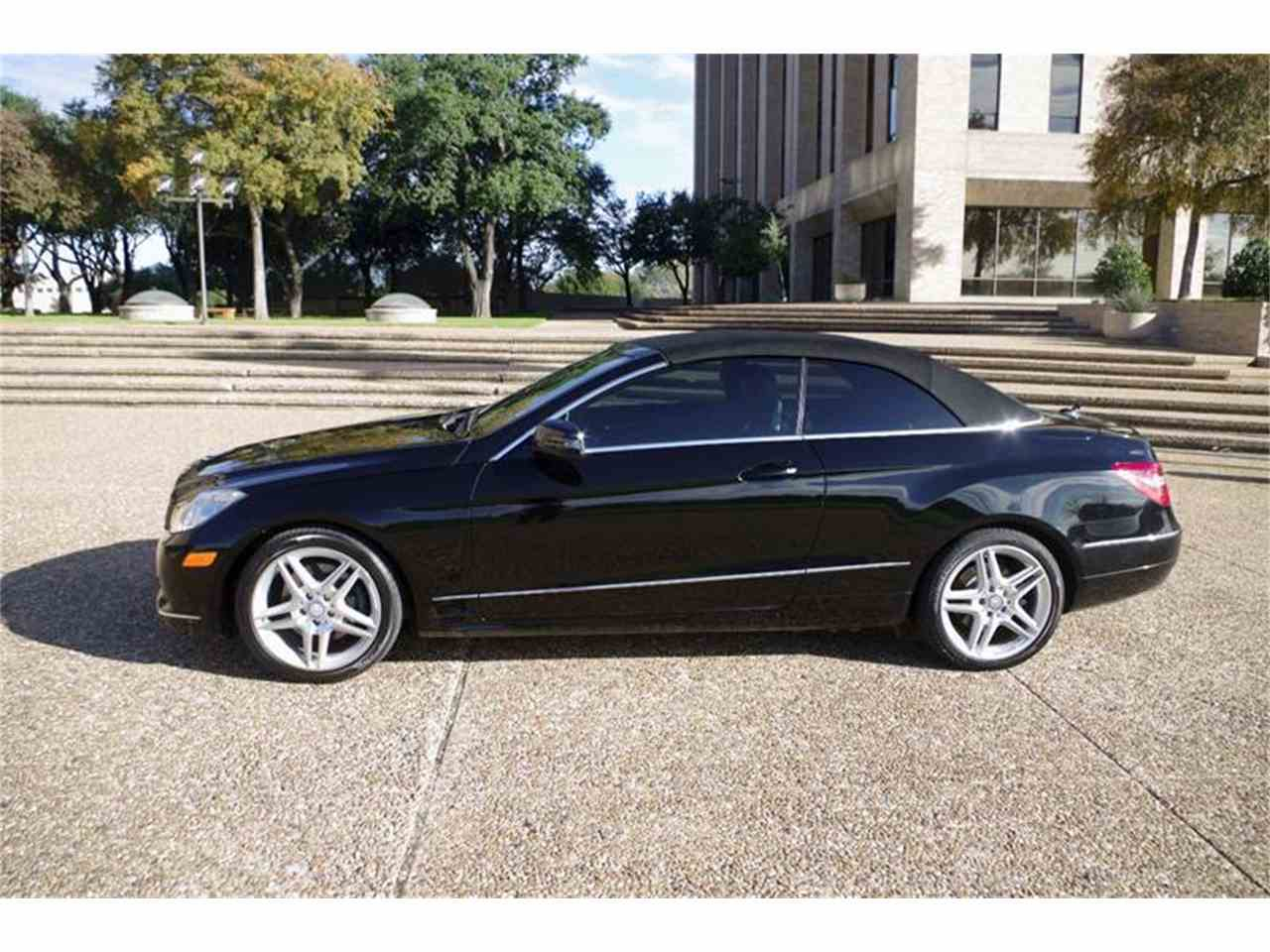 Large Picture of '11 Mercedes-Benz E-Class located in Texas - $26,900.00 - JXT6