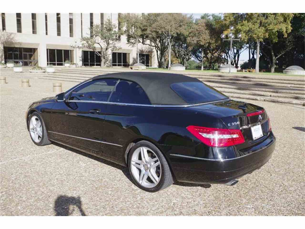 Large Picture of '11 Mercedes-Benz E-Class located in Texas - JXT6