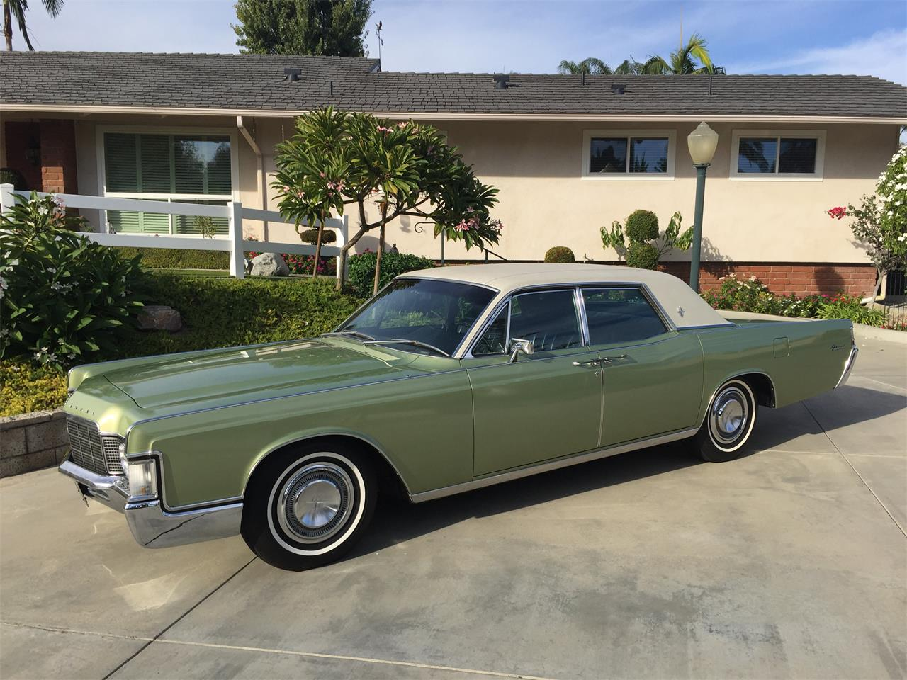 Large Picture of '69 Continental - JXM5