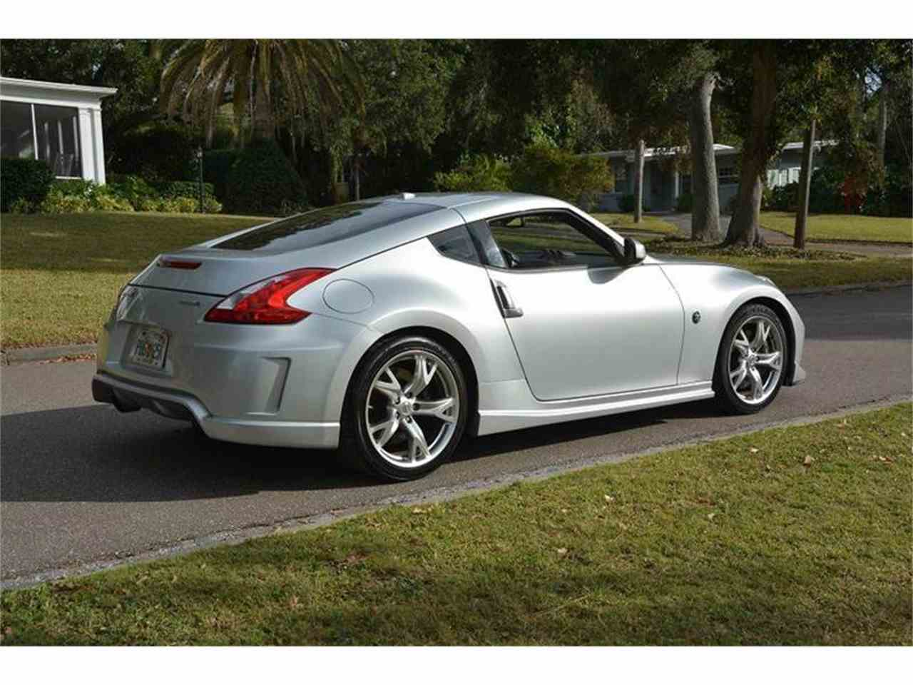 Large Picture of '09 370Z Offered by PJ's Auto World - JZUJ